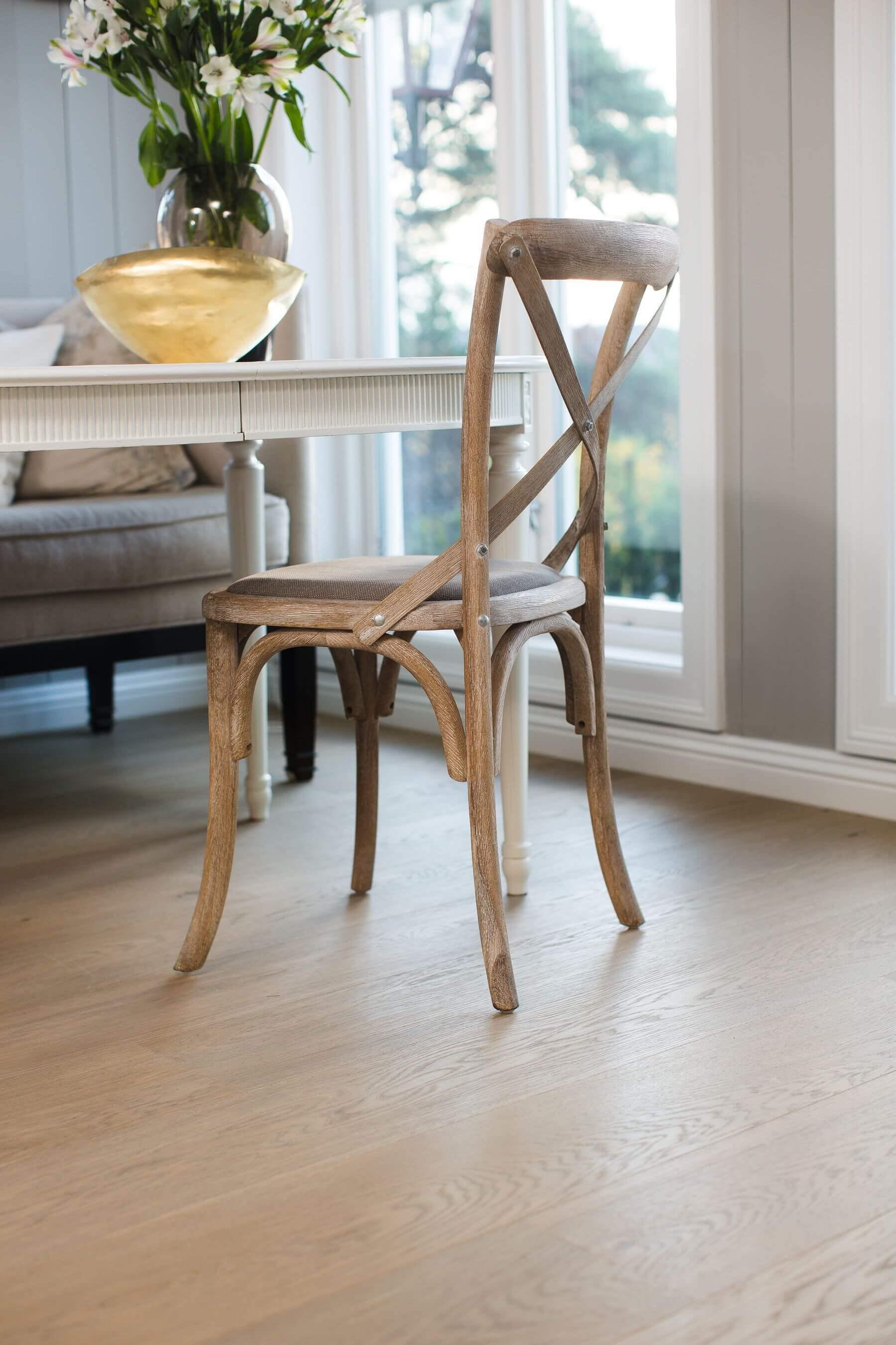 Grain and Groove Light Wood Flooring